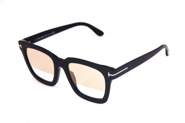 Солнцезащитные очки TOM FORD 690 01G